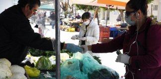 «Σπάνε στα δύο» οι λαϊκές αγορές στην Αττική λόγω κορωνοϊού