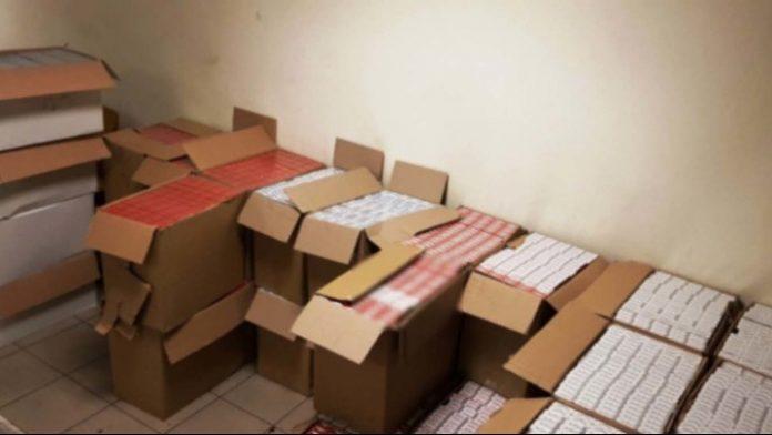 Θεσσαλονίκη: Κατασχέθηκαν χιλιάδες λαθραία πακέτα τσιγάρα