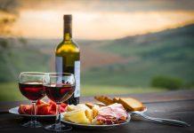 Κορωνοϊός: Οι επιδράσεις του στο ιταλικό τυρί και κρασί