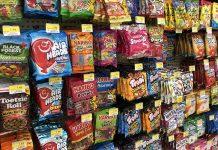 ΗΠΑ: Βουτιά καταγράφουν οι πωλήσεις σε τσίχλες, μέντες και σνακ