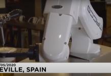 """Ρομπότ σερβίρει μπίρες """"από απόσταση"""" σε ένα μπαρ της Σεβίλης (βίντεο)"""