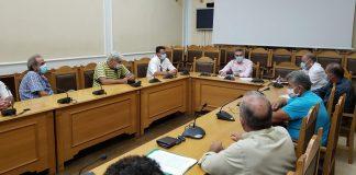 Τα προβλήματα των παραδοσιακών αποσταγματοποιών σε σύσκεψη στη Περιφέρεια Κρήτης
