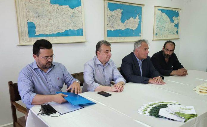 Πρόγραμμα αναμπέλωσης ανακοίνωσε από την Κρήτη ο υπουργός Αγροτικής Ανάπτυξης και Τροφίμων