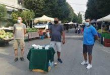 Σέρρες: Δωρεάν μάσκες στους καταναλωτές από τους μικροπωλητές της λαϊκής αγοράς