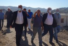 Αυτοψία στις πληγείσες από την πυρκαγιά περιοχές της Αττικής πραγματοποίησε ο Μ. Βορίδης
