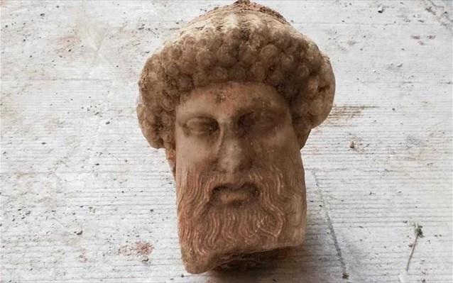 Τον θεό Ερμή απεικονίζει η αρχαία κεφαλή που βρέθηκε στο κέντρο της Αθήνας