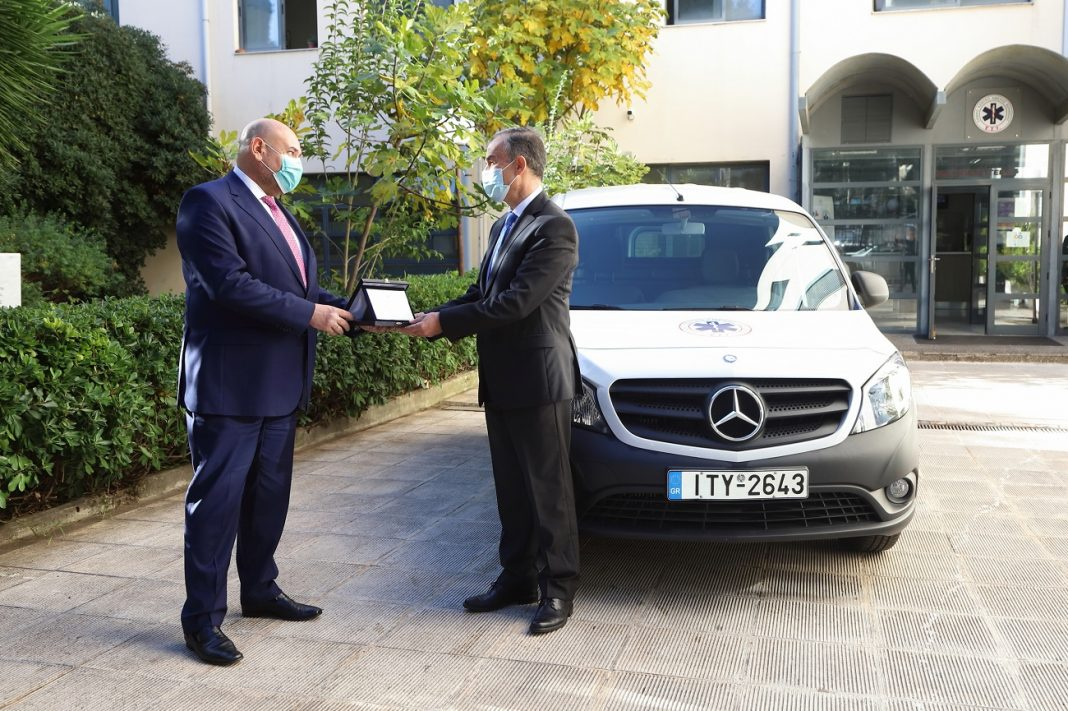 Δωρεά ενός ελαφρού επαγγελματικού οχήματος στο ΕΚΑΒ, από τη Mercedes Benz