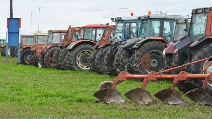 Μηχανοκίνητη πορεία αγροτών στη Βέροια